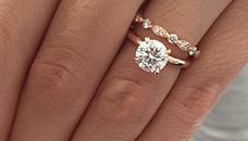 Арт деко веренички прстен стана хит на интернет